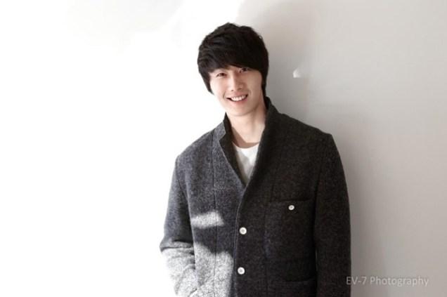 2011 12 26 Jung II-woo for Entermedia 00002