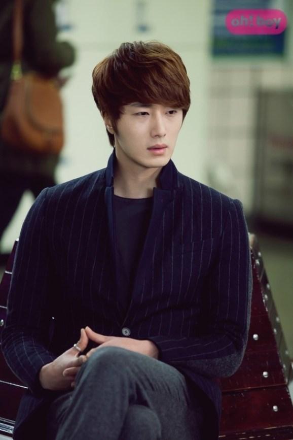 2011 Jung II-woo in UJIWP 00000019