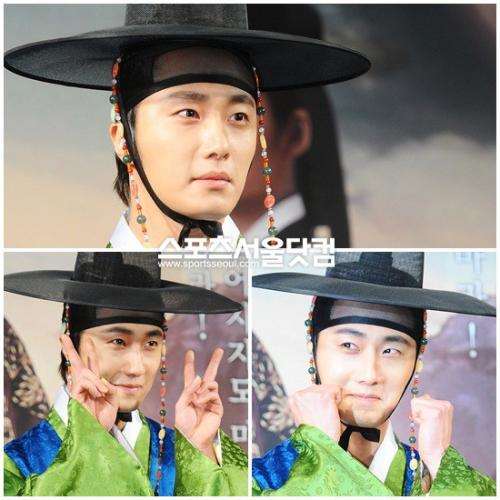 2012 1 2 Jung II-woo in The Moon that Embraces the Sun Press Conference 00019