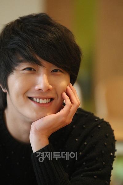 2012-1-3 Jung II-woo for ETO 1.jpg