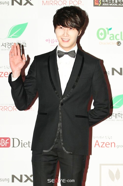 2012 1 18 Jung II-woo in Asia Model Awards 00010