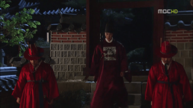 2012 2 Jung II-woo in The Moon that Embraces the Sun Episode 13 00032