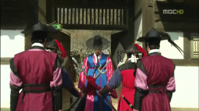 2012 2 Jung II-woo in The Moon that Embraces the Sun Episode 14 00001