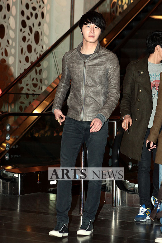 2012 3 16 Jung II-woo in TMTETS Wrap Up Party 00002
