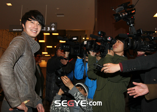 2012 3 16 Jung II-woo in TMTETS Wrap Up Party 00004