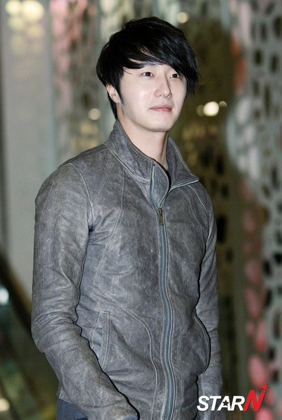 2012 3 16 Jung II-woo in TMTETS Wrap Up Party 00006
