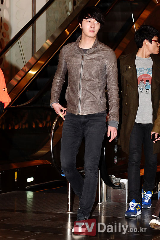 2012 3 16 Jung II-woo in TMTETS Wrap Up Party 00009