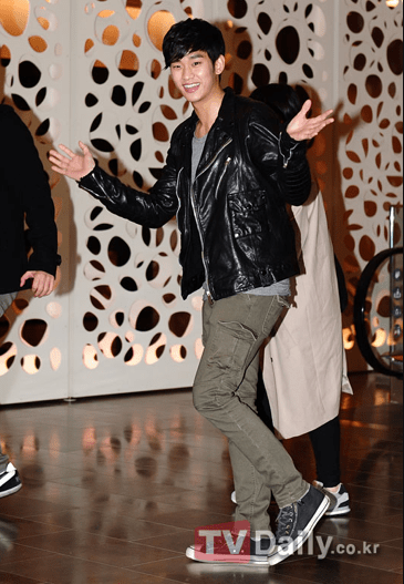2012 3 16 Jung II-woo in TMTETS Wrap Up Party 00023