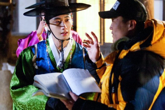 2012 Jung II-woo in The Moon Embracing the Sun Episode 6 Extras BTS 00016
