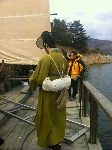 2012 Jung II-woo in The Moon Embracing the Sun Episode 7 Extras BTS 00012