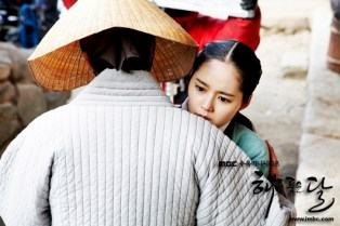 2012 Jung II-woo in The Moon Embracing the Sun Episode 9 Extras 00002