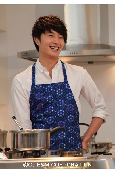 2012 3 JIW Jung II-woo in Japan Part 3 Flower Boy DVD Press 00003