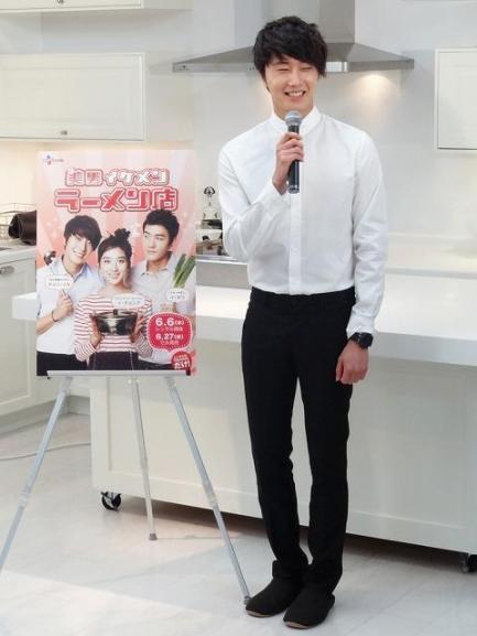 2012 3 JIW Jung II-woo in Japan Part 3 Flower Boy DVD Press 00028