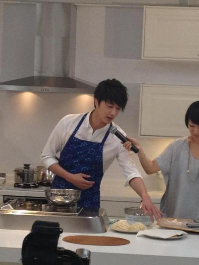 2012 3 JIW Jung II-woo in Japan Part 3 Flower Boy DVD Press 00034