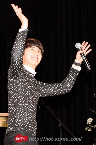 2012 4 8 Jung II-woo at Japan:Korea Festa00017