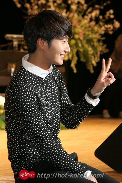 2012 4 8 Jung II-woo at Japan:Korea Festa00027