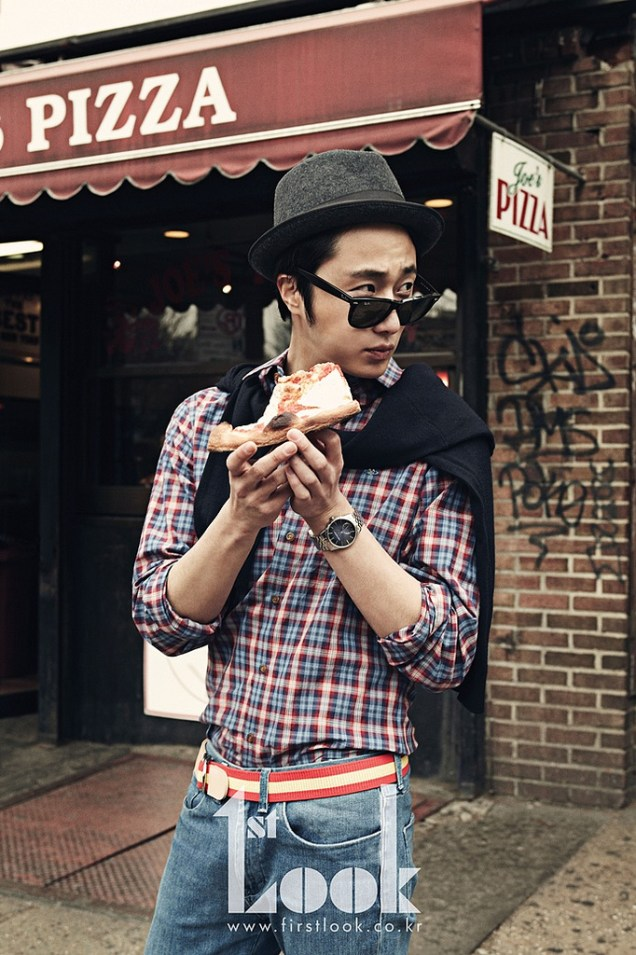 2012 4 Jung II-woo for First Look Magazine Vol. 19 New York, Ordinary 00005