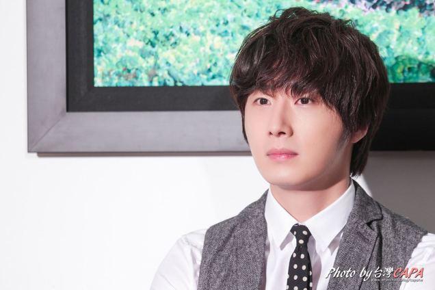 2012 10 23 Jung II-woo travels to Taiwan. China News 360 Interview Photos 00004