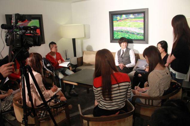 2012 10 23 Jung II-woo travels to Taiwan. China News 360 Interview Photos 00014