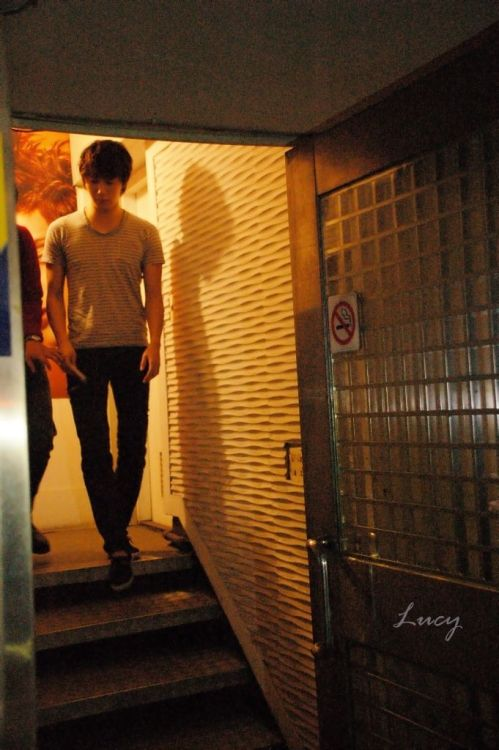 2012 10 23 Jung II-woo travels to Taiwan. Hanging out!00006