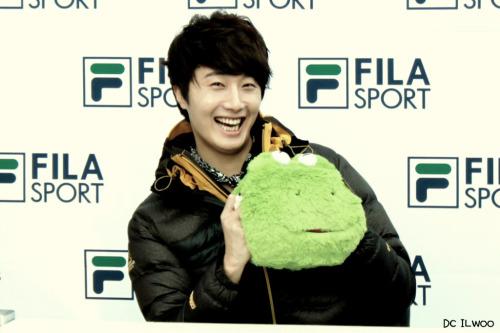2012 11 3 Jung II-woo for FILA's Green Campaign00051
