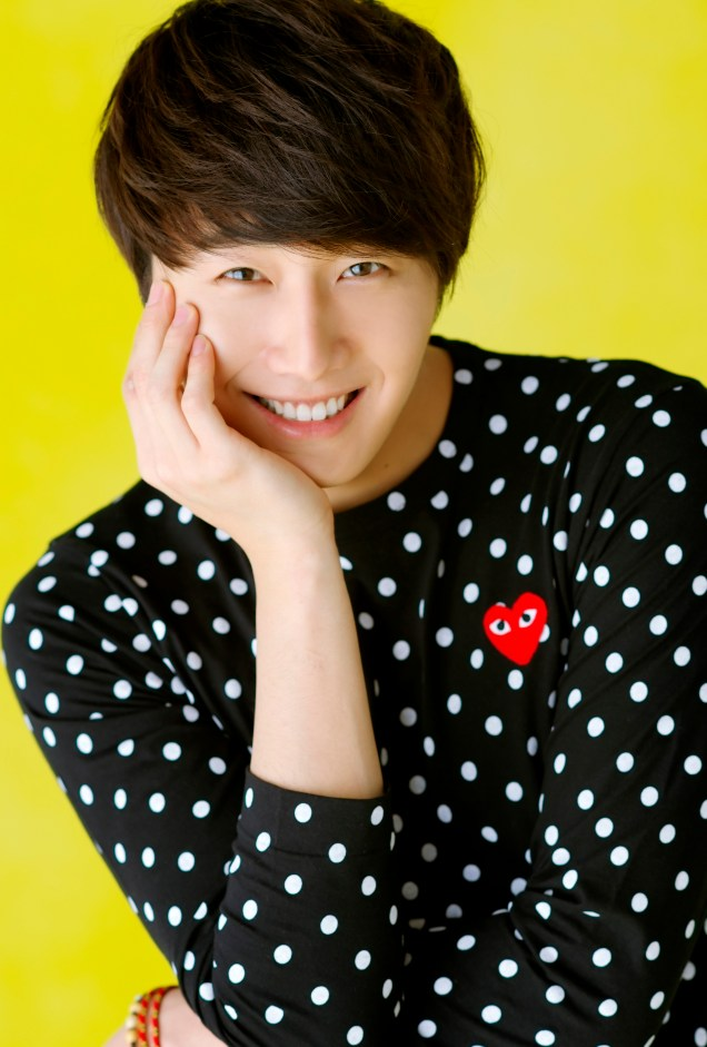 2012 5 29 Jung II-woo for KStyle Polka Dots Yellow Background 00003