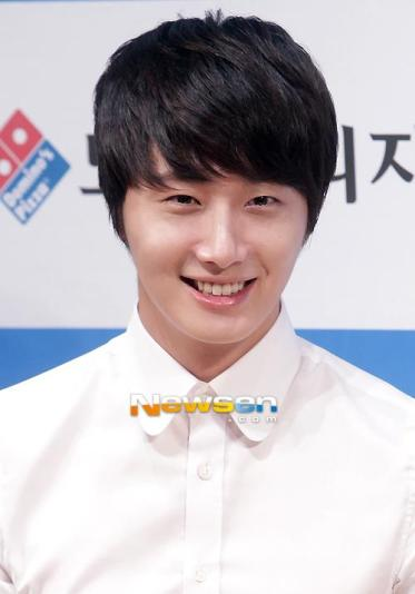 2012 6 Jung II-woo for Domino's Pizza 00009