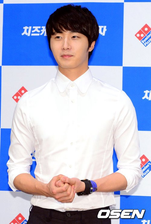 2012 6 Jung II-woo for Domino's Pizza 00013