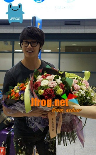 2012 7 3 Jung II-woo airport arrival to Beijing, China. 00002