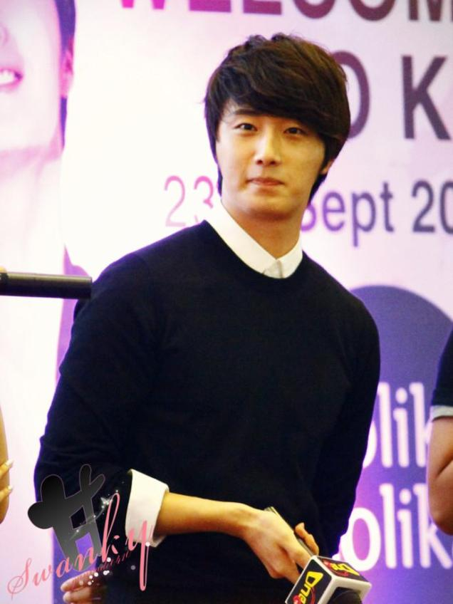 2012 9 23 Jung II-woo in Holika Holika's Fan Meet in Malaysia 00008