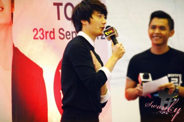 2012 9 23 Jung II-woo in Holika Holika's Fan Meet in Malaysia 00014