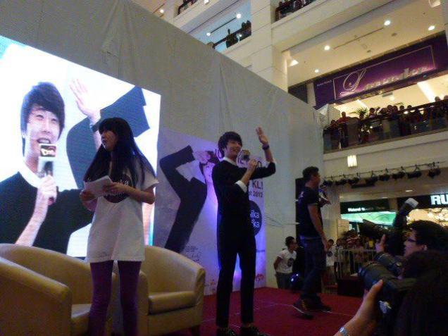 2012 9 23 Jung II-woo in Holika Holika's Fan Meet in Malaysia 00021
