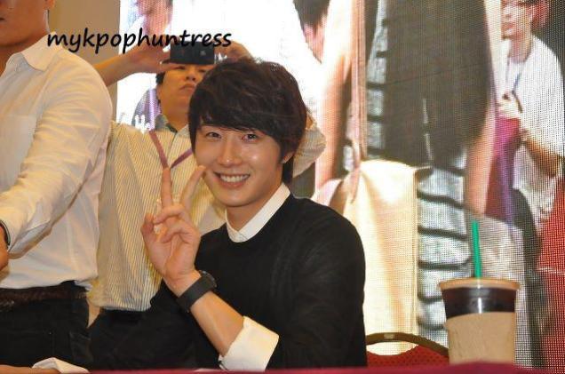 2012 9 23 Jung II-woo in Holika Holika's Fan Meet in Malaysia 00052