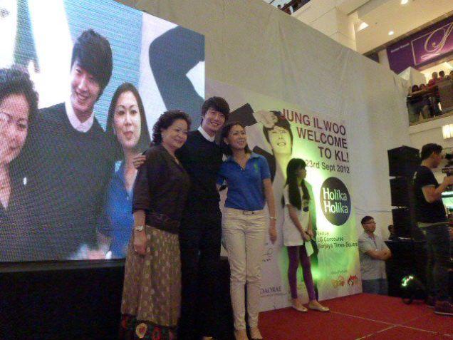 2012 9 23 Jung II-woo in Holika Holika's Fan Meet in Malaysia 00054
