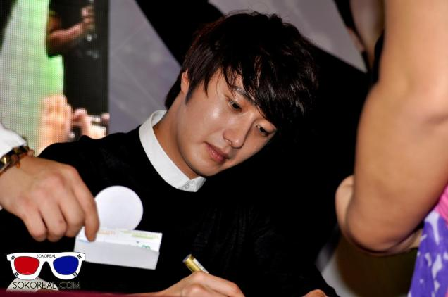 2012 9 23 Jung II-woo in Holika Holika's Fan Meet in Malaysia 00062