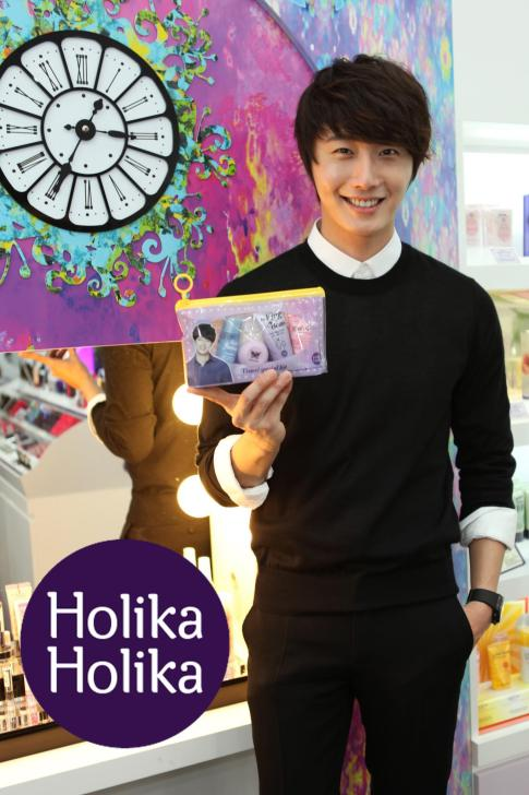 2012 9 23 Jung II-woo in Holika Holika's Fan Meet in Malaysia 00095