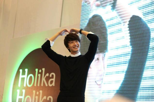2012 9 23 Jung II-woo in Holika Holika's Fan Meet in Malaysia 00099