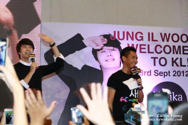 2012 9 23 Jung II-woo in Holika Holika's Fan Meet in Malaysia 3.jpg