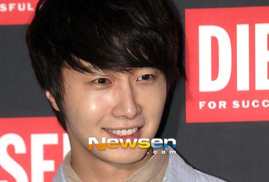 2012 9 7 Jung II-woo for Diesel 00001