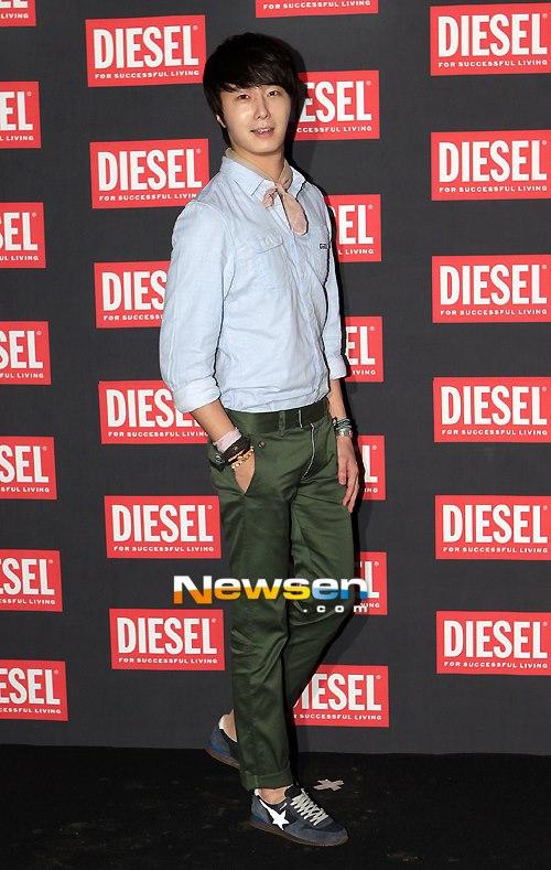2012 9 7 Jung II-woo for Diesel 00007