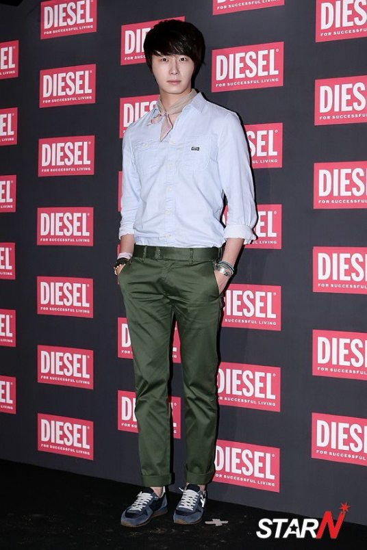 2012 9 7 Jung II-woo for Diesel 00012