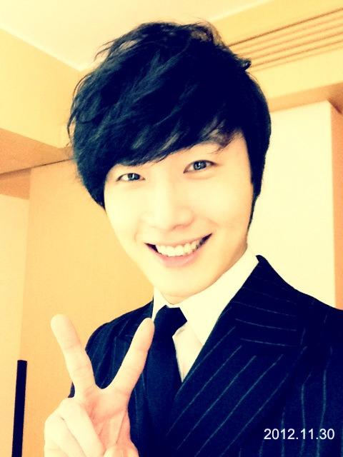 Jung II-woo at the MAMA Awards Weibo Post 11-30-2012.  2.jpg