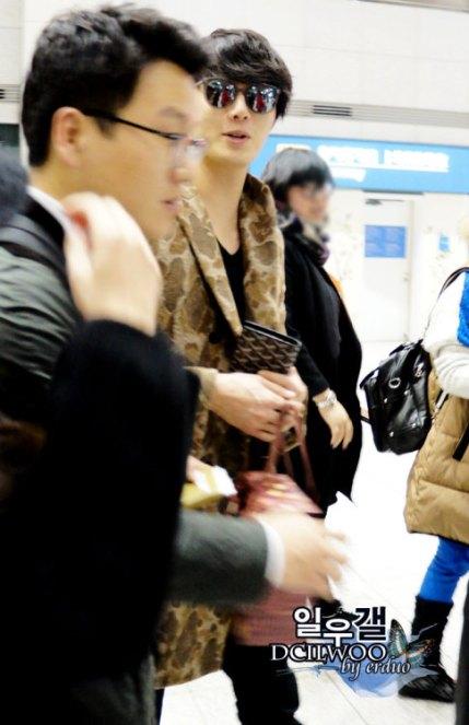 2012 12 9 Airport Departure00006