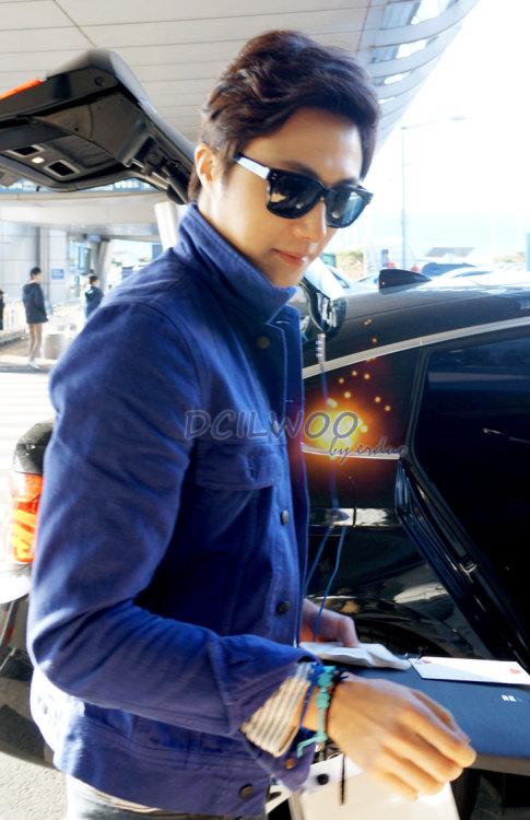 2013 2 22 Jung II-woo in Holika Holika Event in Myanmar (Airport Arriving back in Seoul) 00002