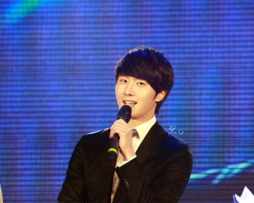 Jung II-woo at Taiwan's Fan Meeting 2012 12 8 Talking 00007