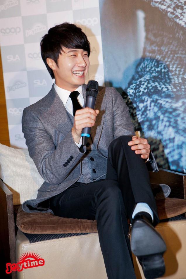 Jung II-woo at Taiwan's Press Conference 12 7 201200058
