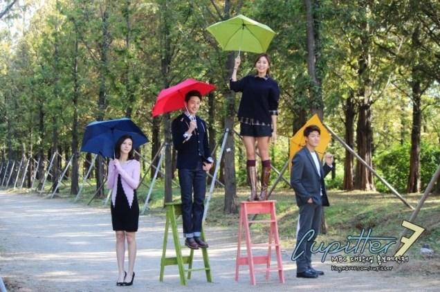 2013 10 Jung II-woo Golden Rainbow Poster Shoot Behind the Scenes Cr. MBC, Cupitter00017