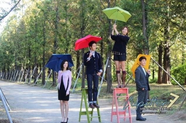 2013 10 Jung II-woo Golden Rainbow Poster Shoot Behind the Scenes Cr. MBC, Cupitter00018