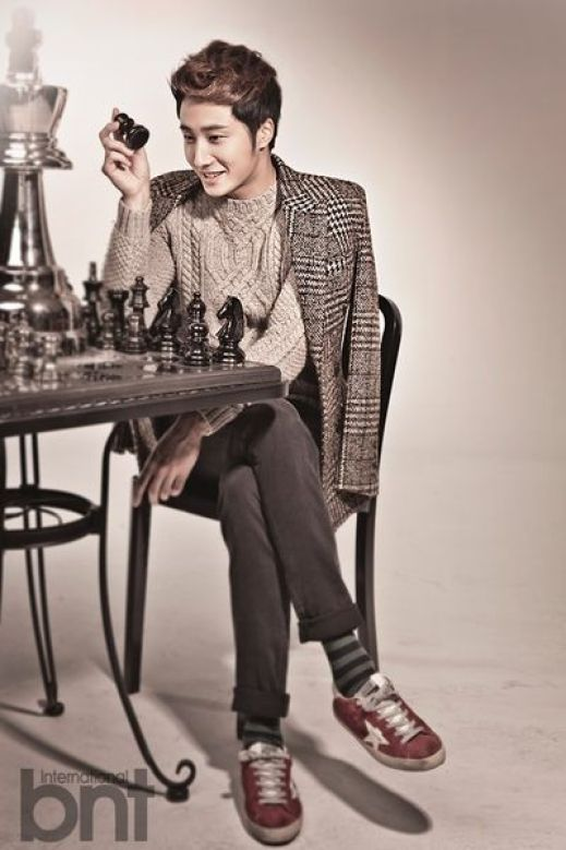 Jung II-woo in a BNT NEews Winter Chess Photo Shoot. 2013 12 23