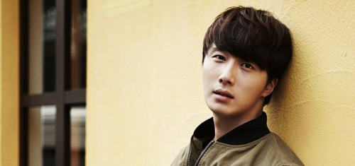 Jung II-woo in a face Smilwoo photo shoot. 2013 11 115